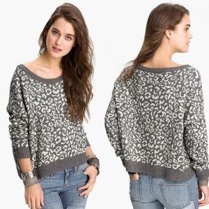 EUC 🌸Free People🌸 Animal Print Knit Sweater
